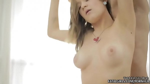 ANAL THREESOME FOR 2 SEXY TEEN BABES